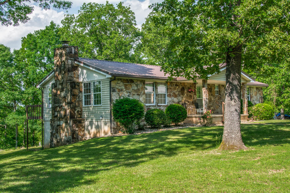 Bull Shoals Lake home for sale near the Theodosia Bridge