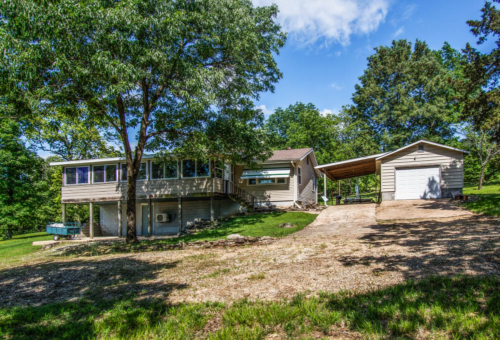 Bull Shoals Lake home with 2-stall dock