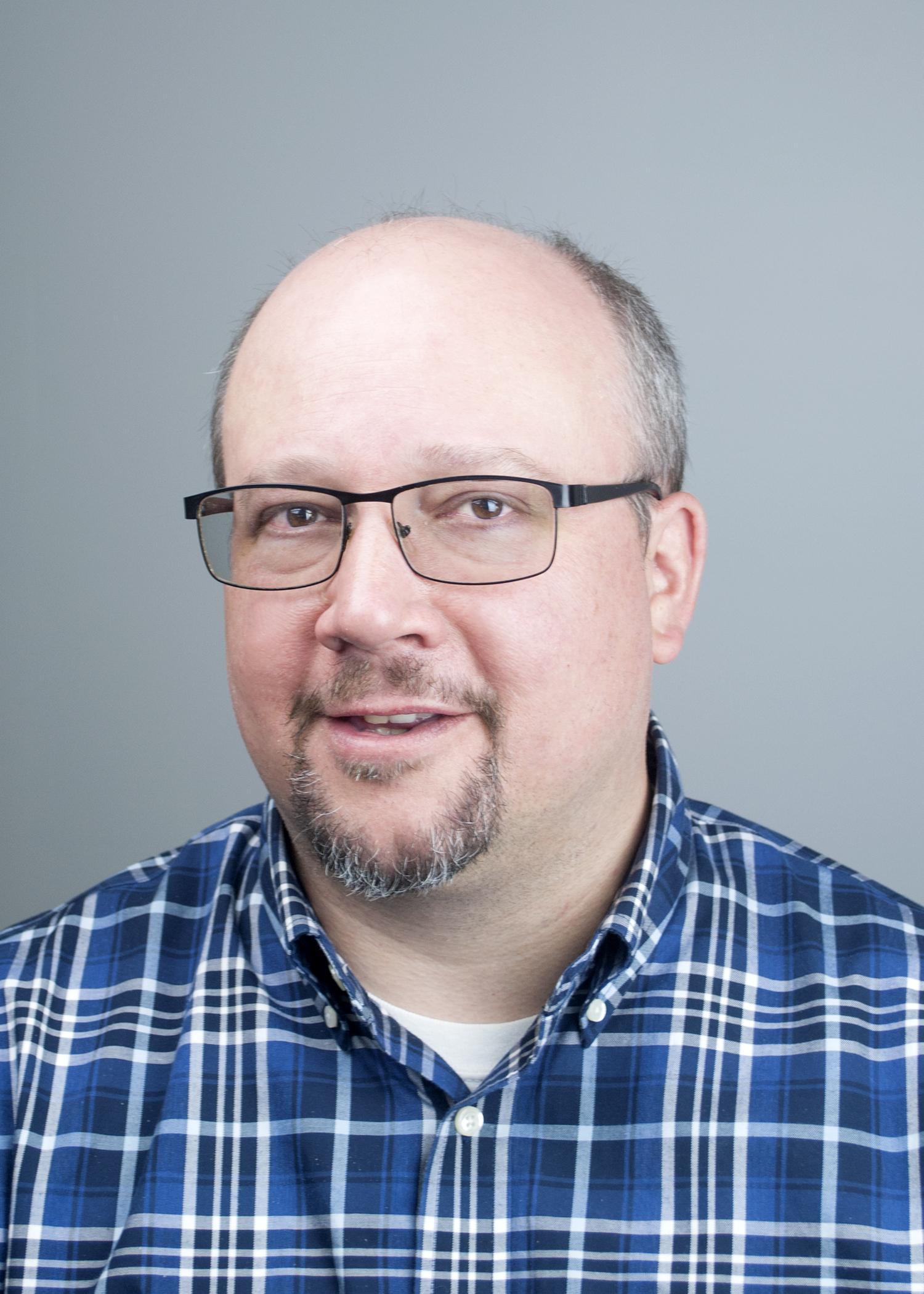 KEVIN CIESZYKOWSKI , Architect