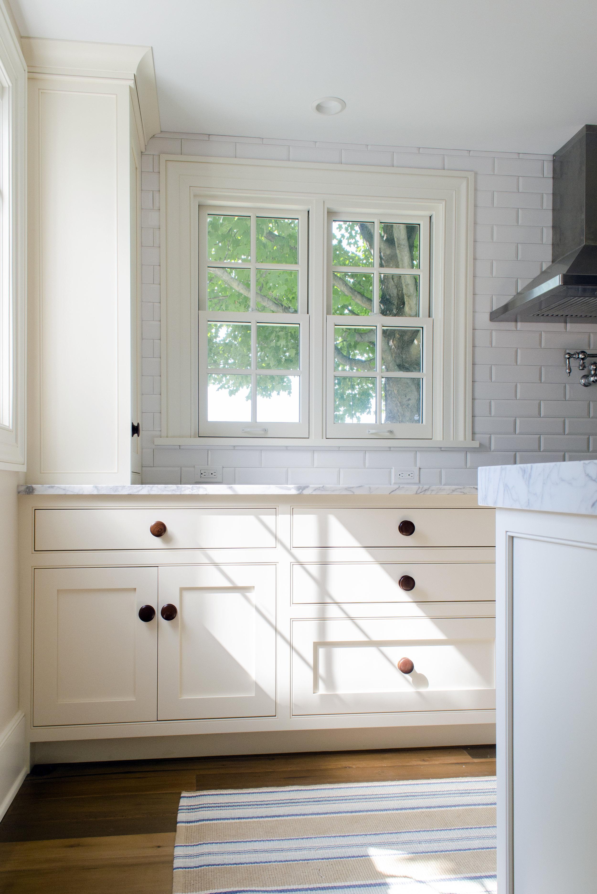 Kitchen_Cabinet_04.jpg