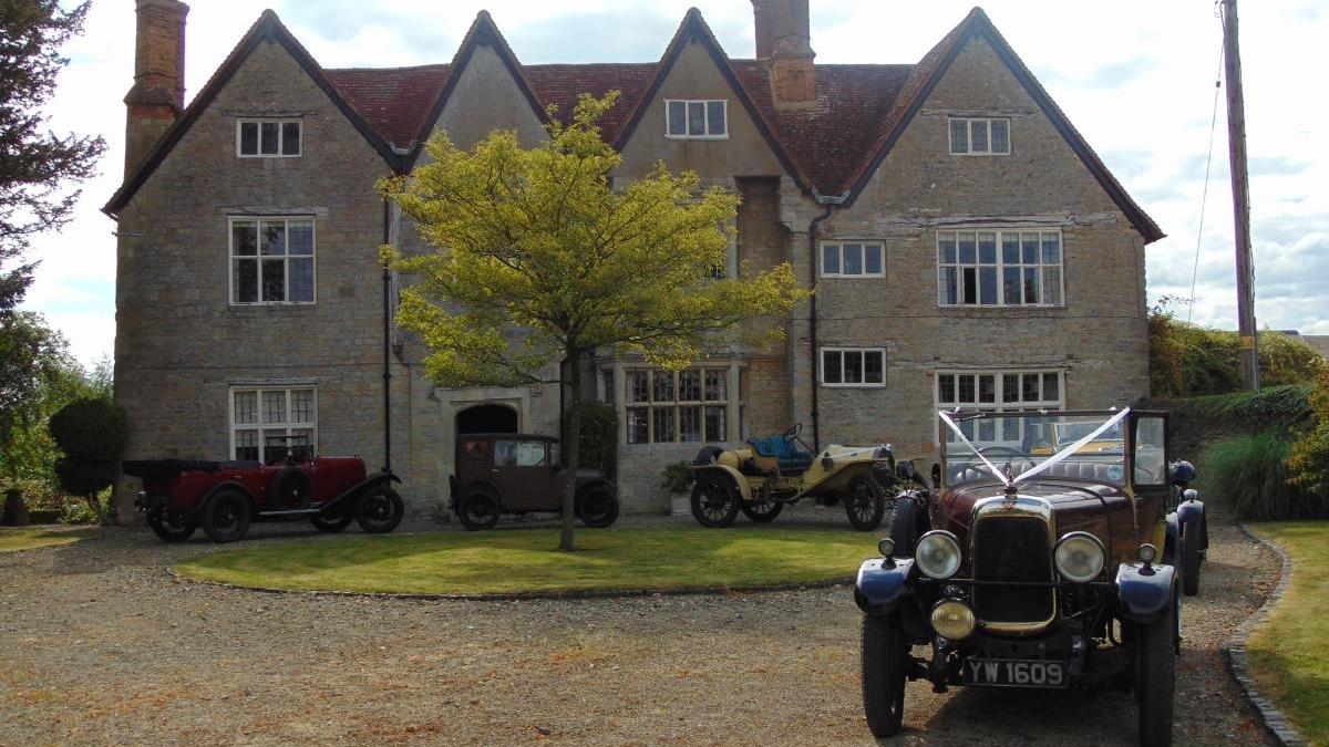 Manor Farm Barn - Marsh Gibbon, Oxfordshirewww.manorfarmtythebarn.co.uk