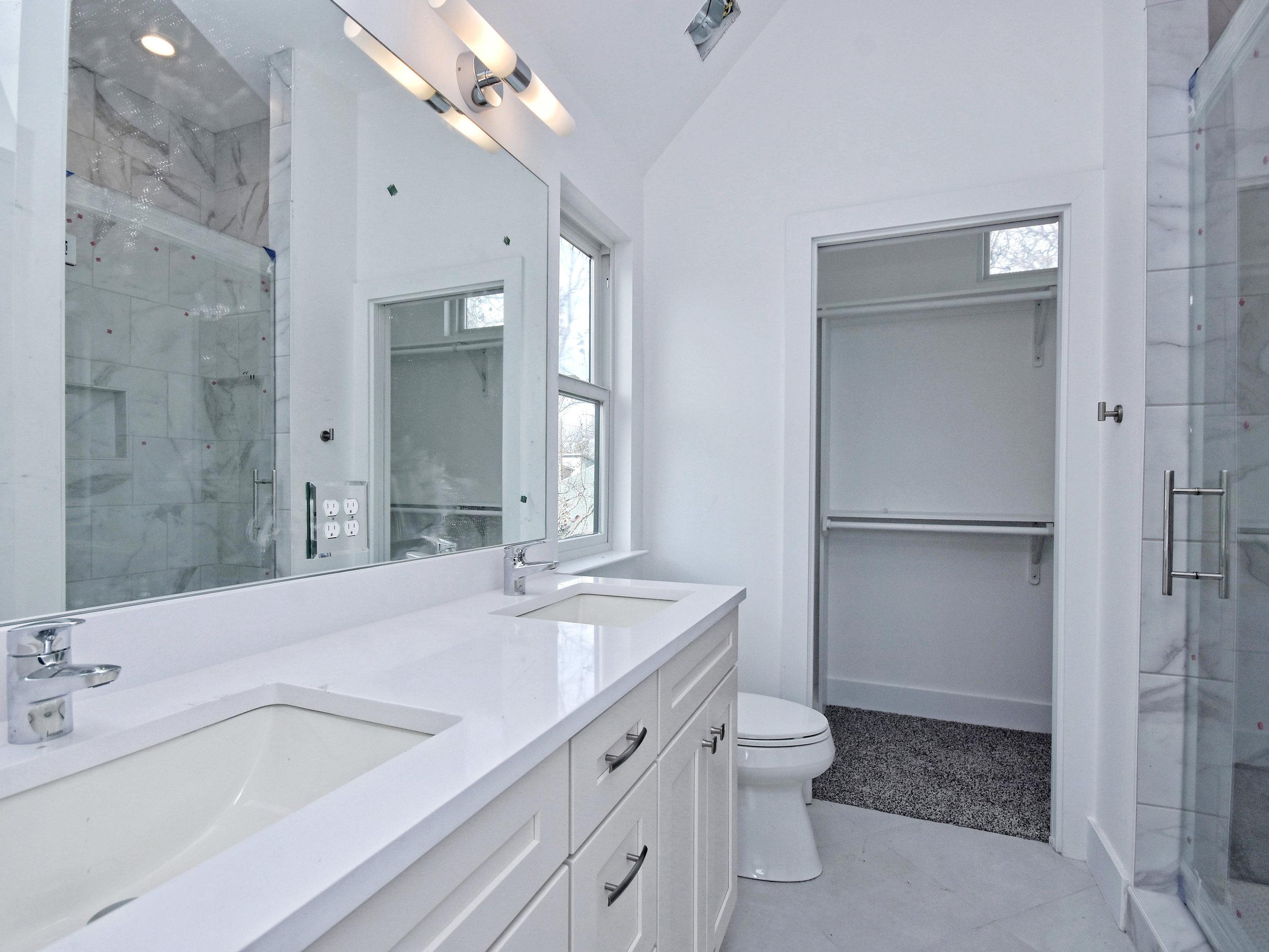 037_B-Master Bathroom.jpg