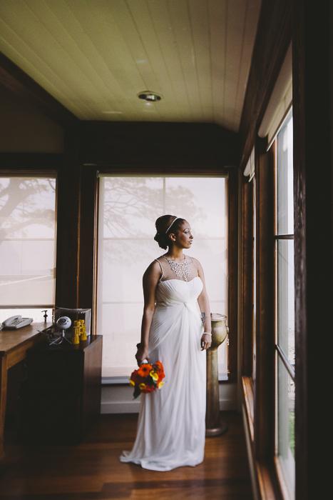A bride waits for her Groom - Sahara Coleman - Professional Wedding Photographer, Destination Photographer 2014 Seattle Washington