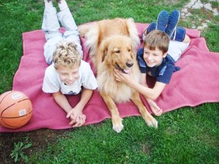 kids&dog.png