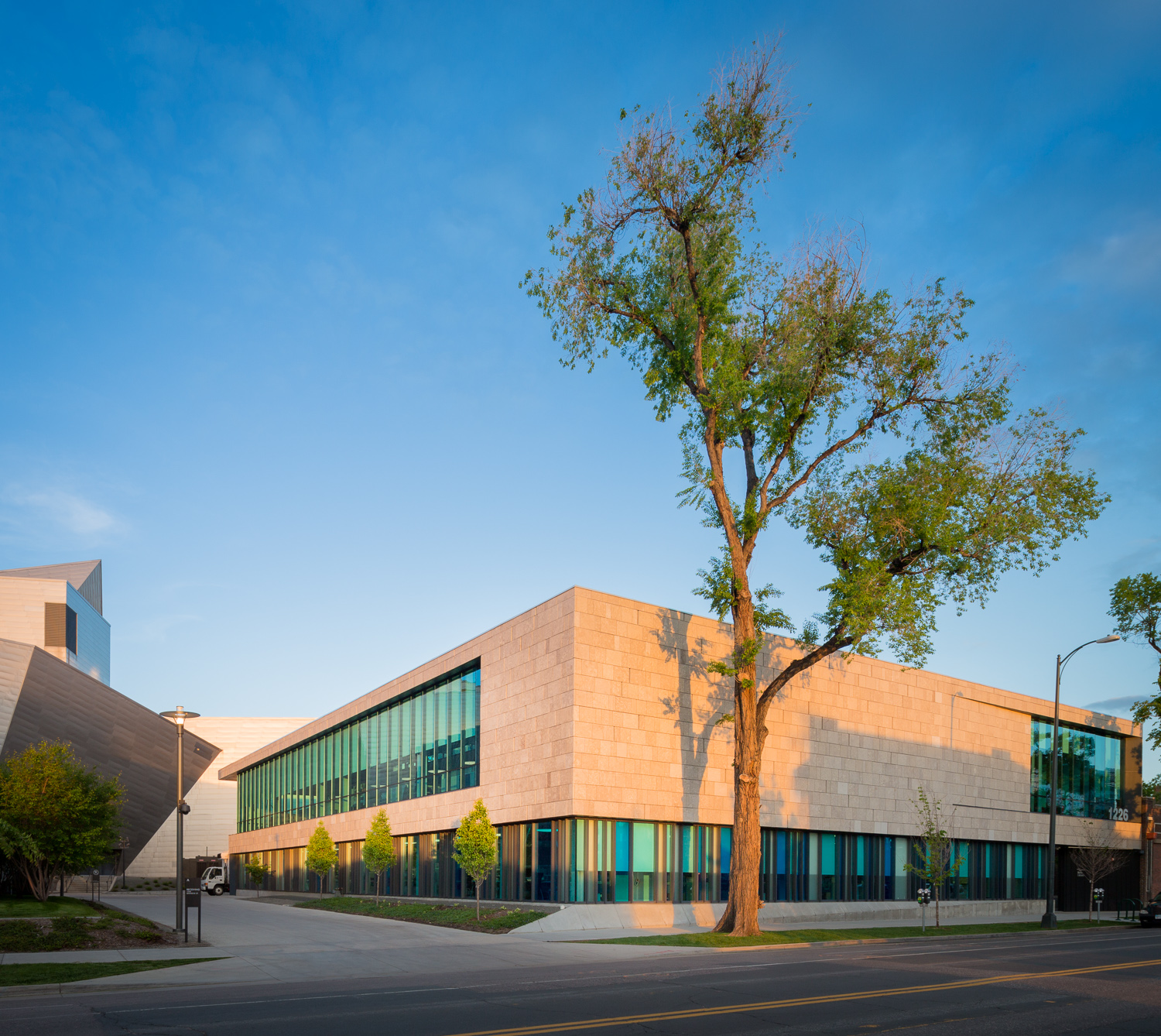 DENVER ART MUSEUM'S ADMIN BUILDING by ROTH SHEPPARD ARCHITECTS © 2015 JC Buck