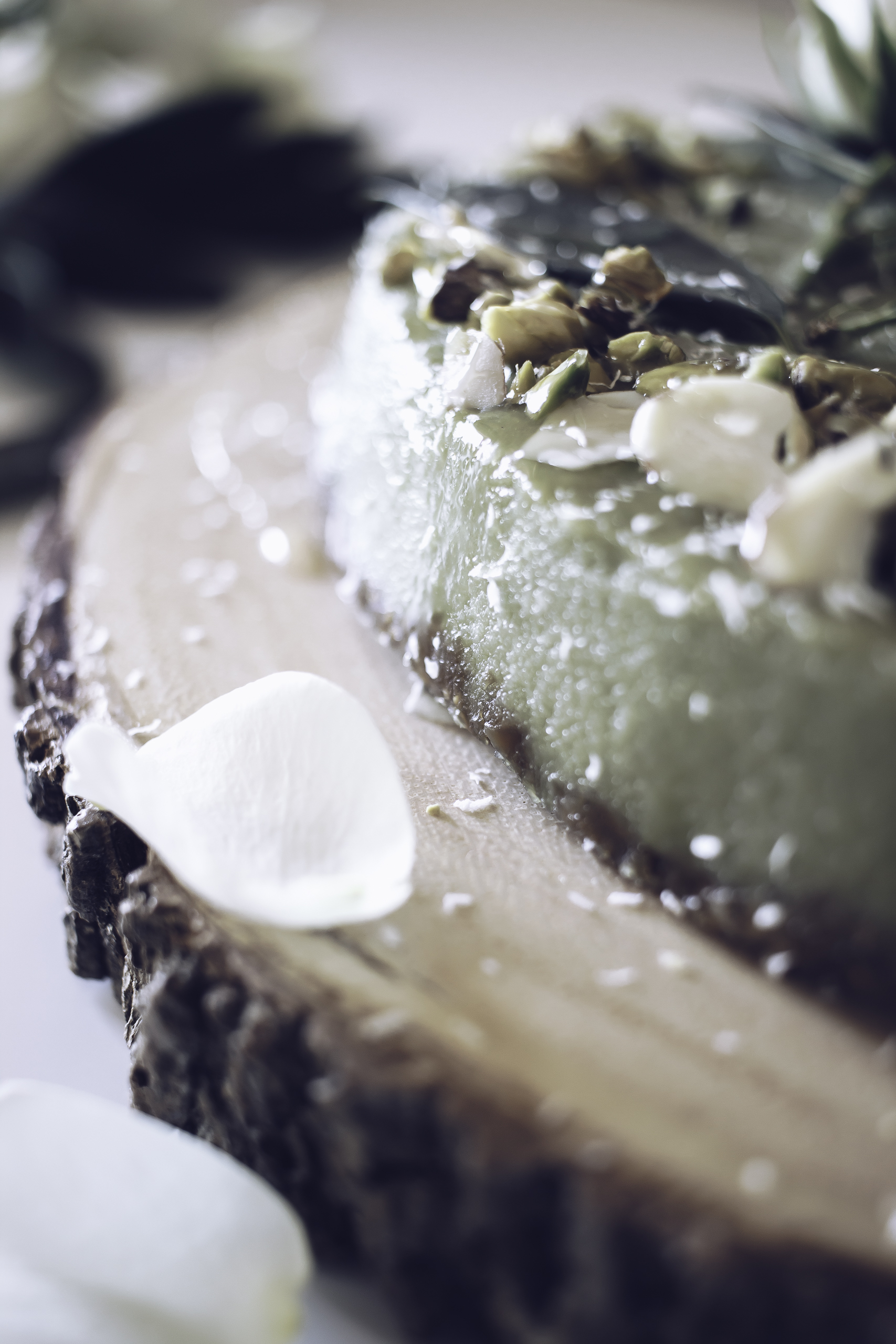 HelloLovelyLiving.com | Recipe - Raw Matcha Cheesecake With Fig And Almond Crust
