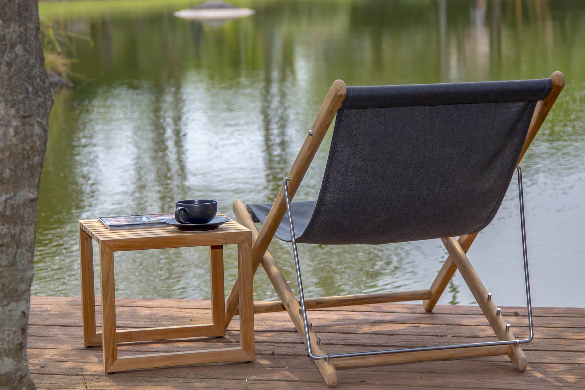 BROMO DECK CHAIR AND CUBE SIDE TABLE (Square)