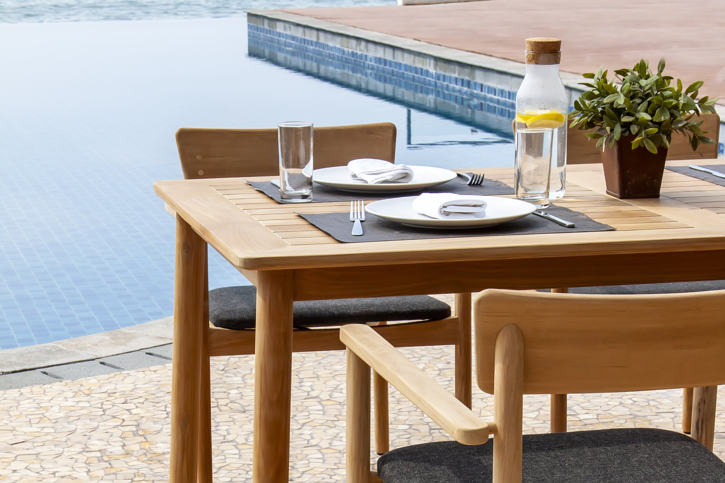VERA DINING CHAIR WITH UPHOLSTERED SEAT WITH SMALL RECTANGULAR DINING TABLE