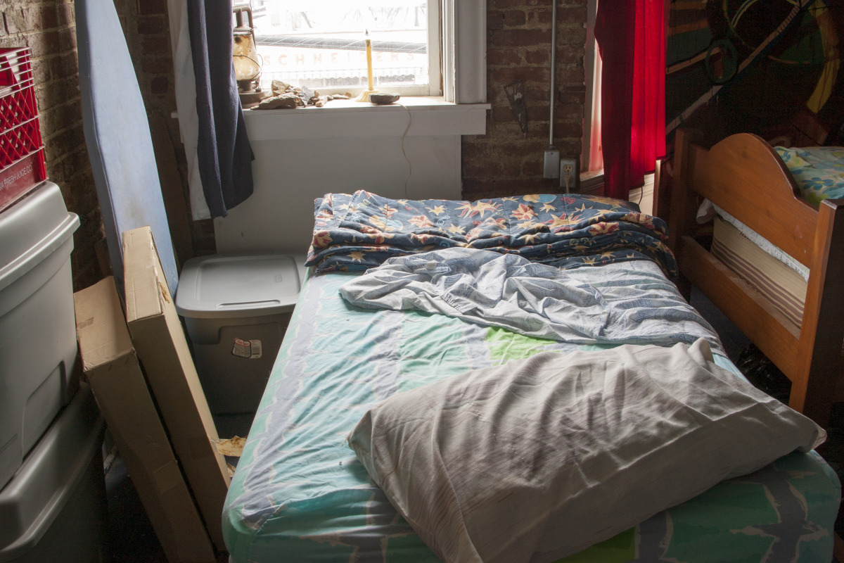 the_unmade_bed_-_082.jpg