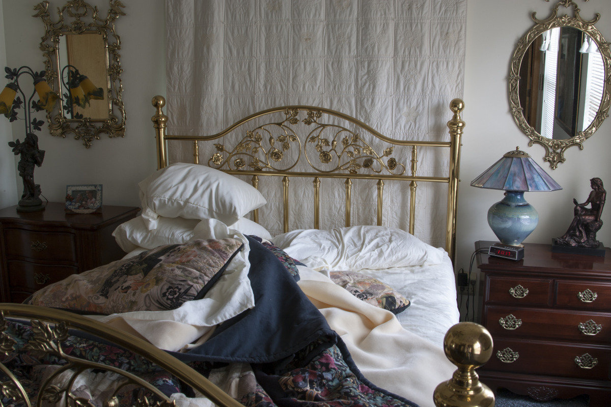 the_unmade_bed_-_054.jpg