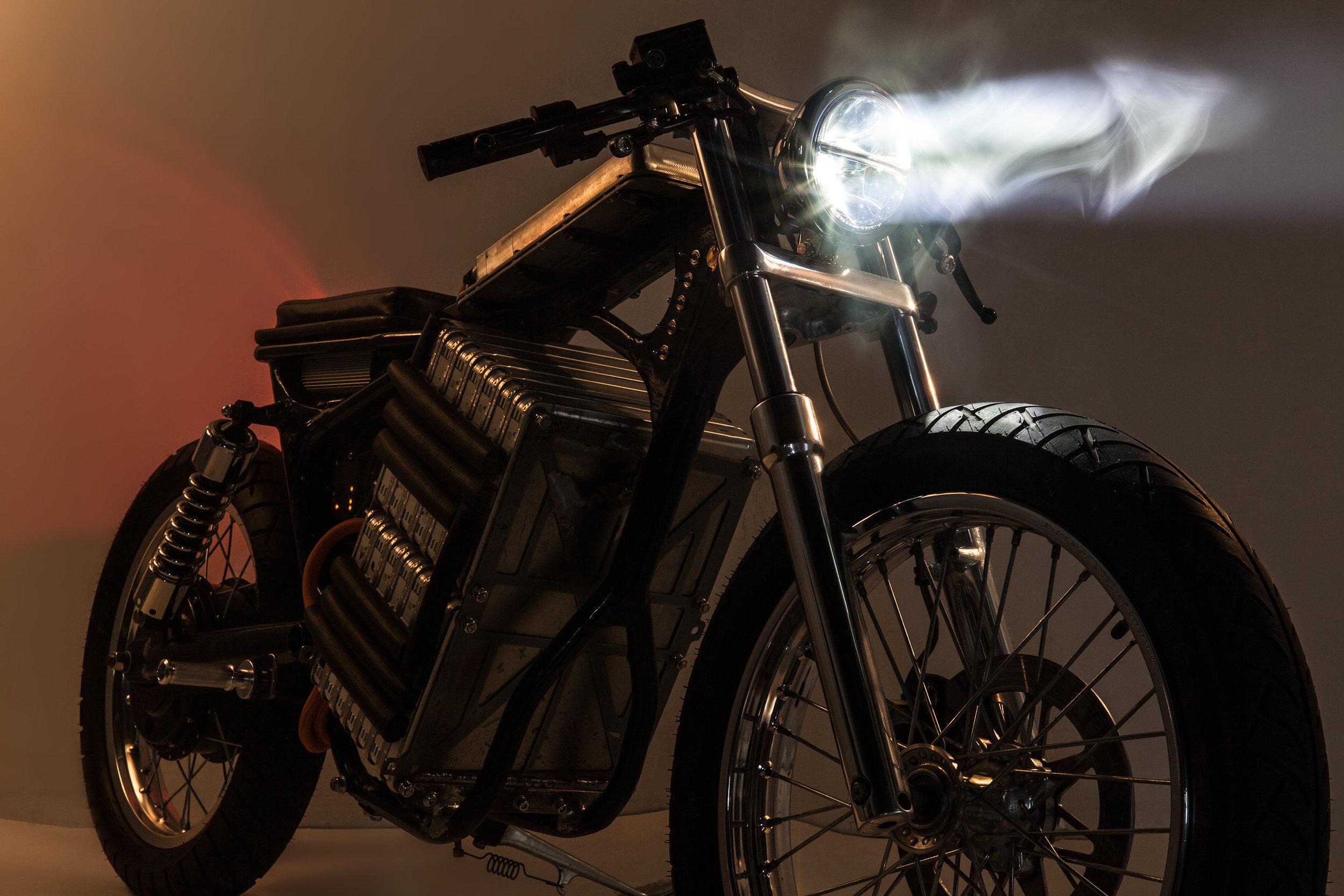NightShiftBikes.SmokeFrontRightThreeQuarter.jpg