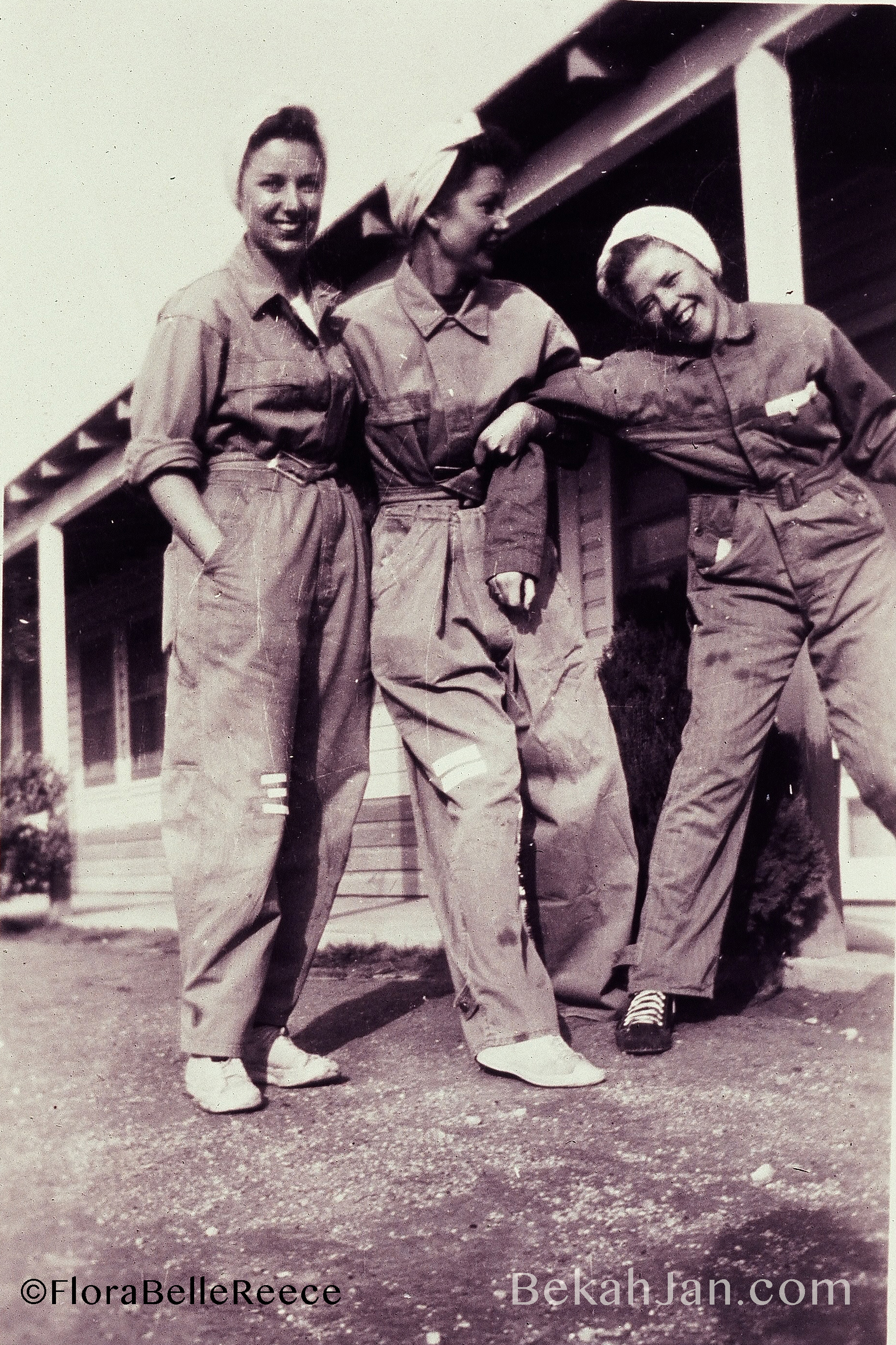 Flora Belle Reece (far right)