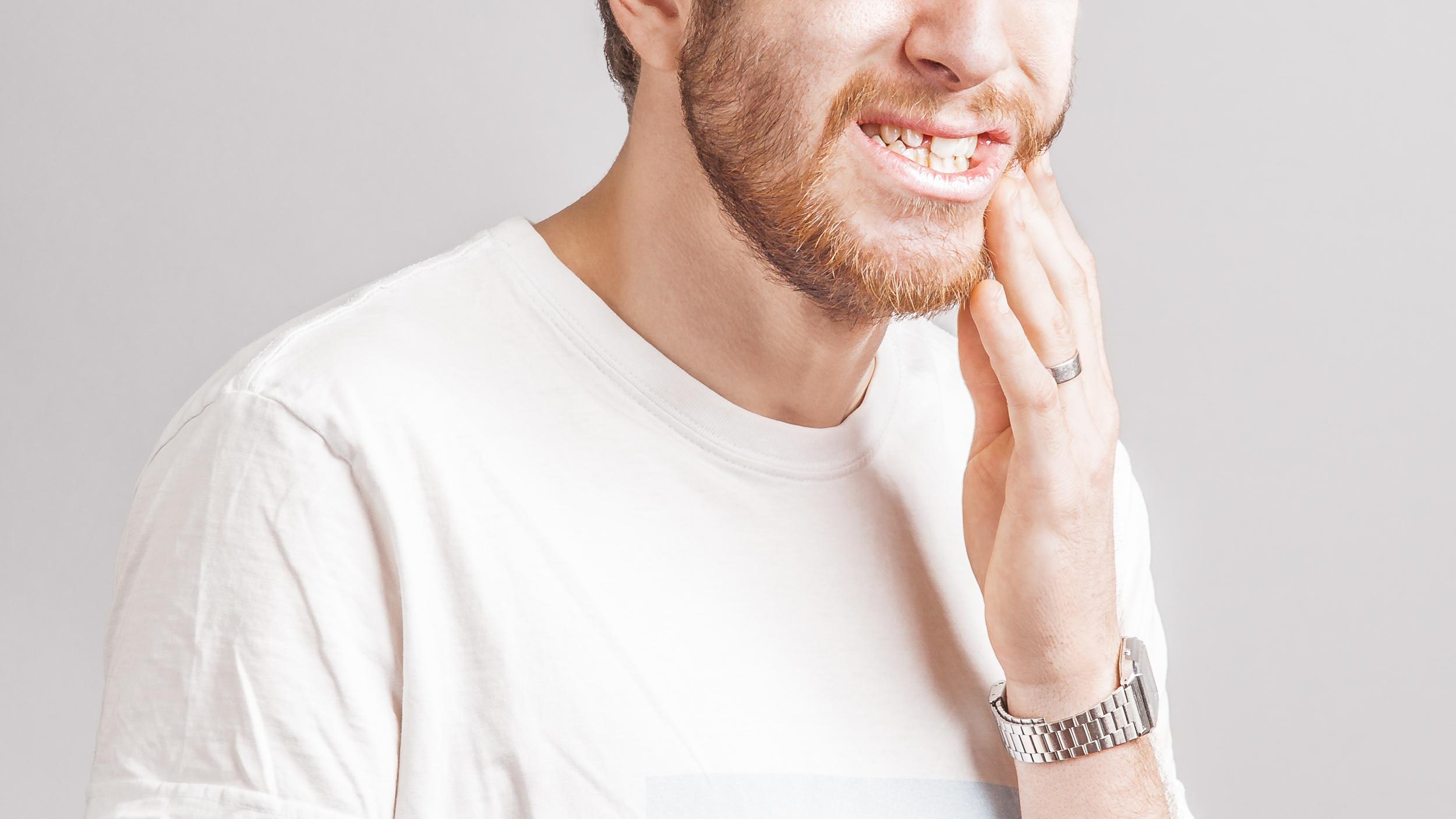 Hampaiden vihlominen   . Asiakas:Webdento.