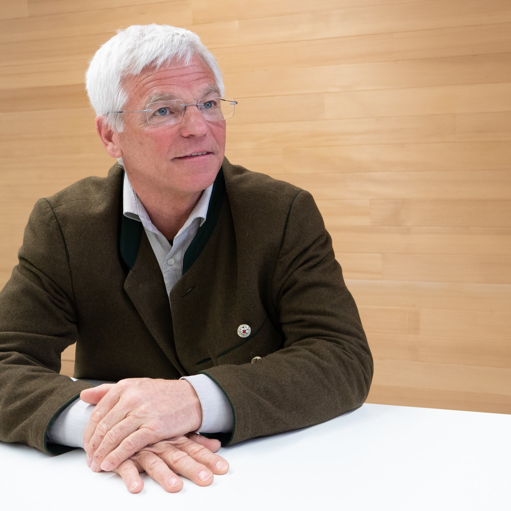 Peter Aicher   Präsident v. Holzbau Deutschland  Firmenleitung  Technische Leitung