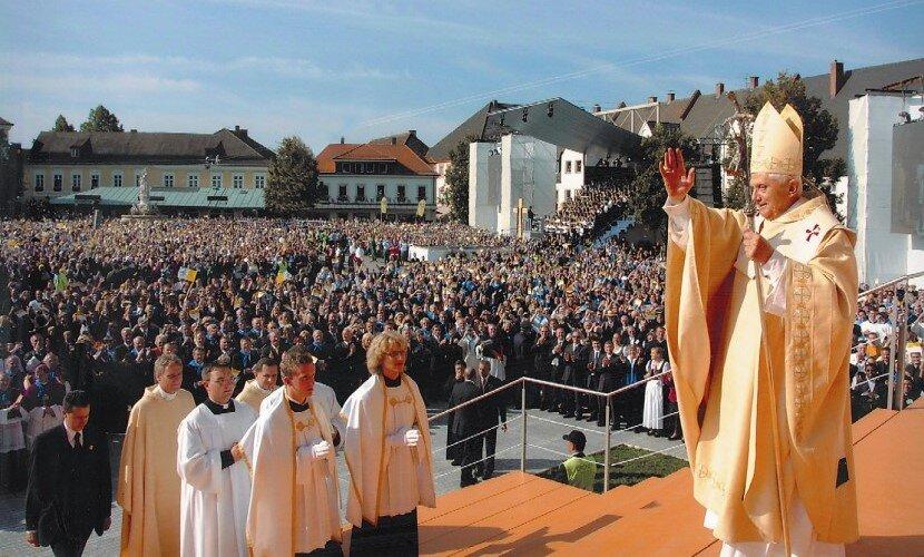 Papstmesse-Altoetting-Foto-OR.jpg