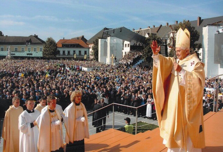 Papstmesse-Altoetting-Foto-OR.jpg
