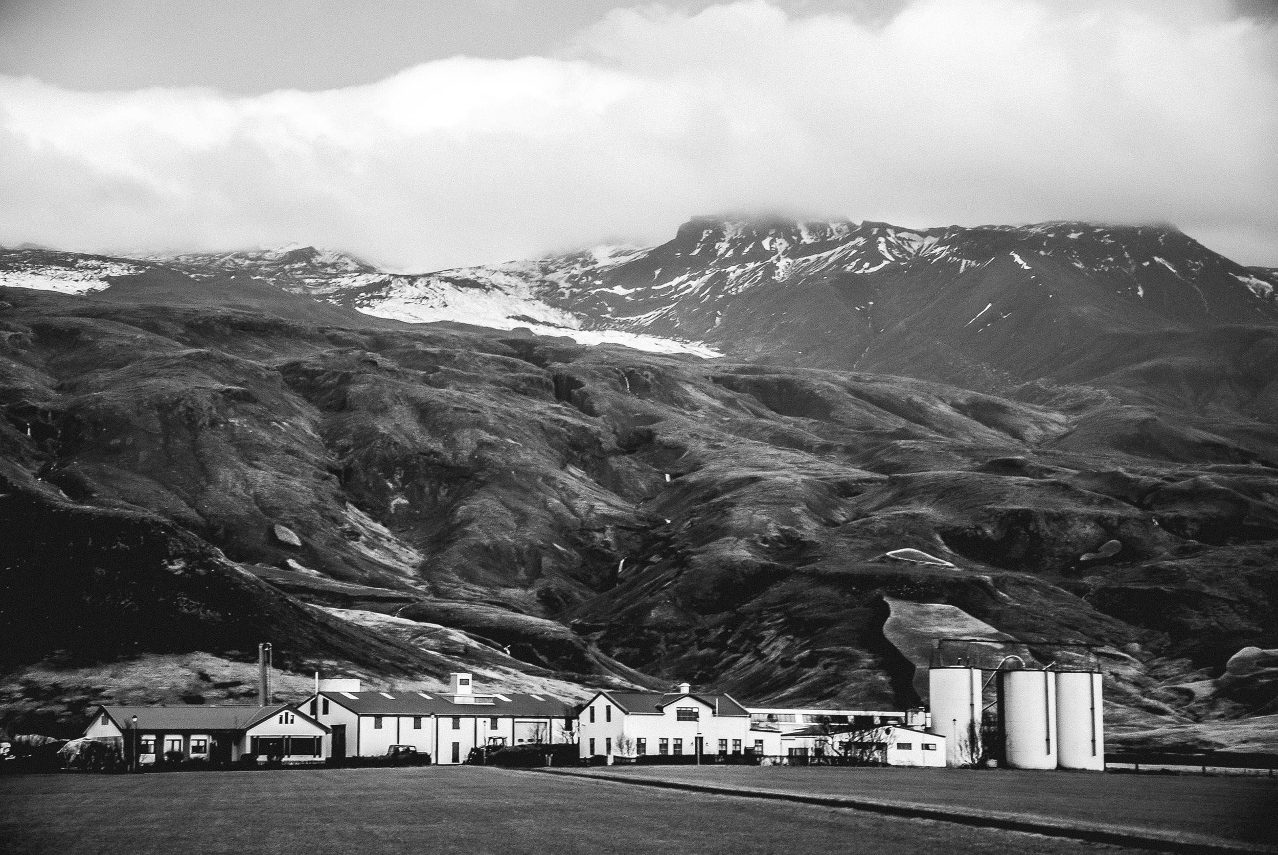 Farm below Eyjafallajokull, Iceland.  Nikon D60 | 18-105 | F5.3 - 1/160th - iso400