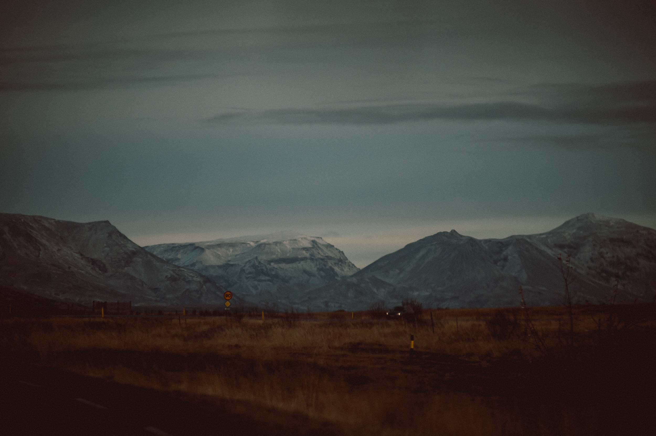 Mountains, Iceland.  Nikon D300 | 19mm | F3.5 - 1/3200th - iso200