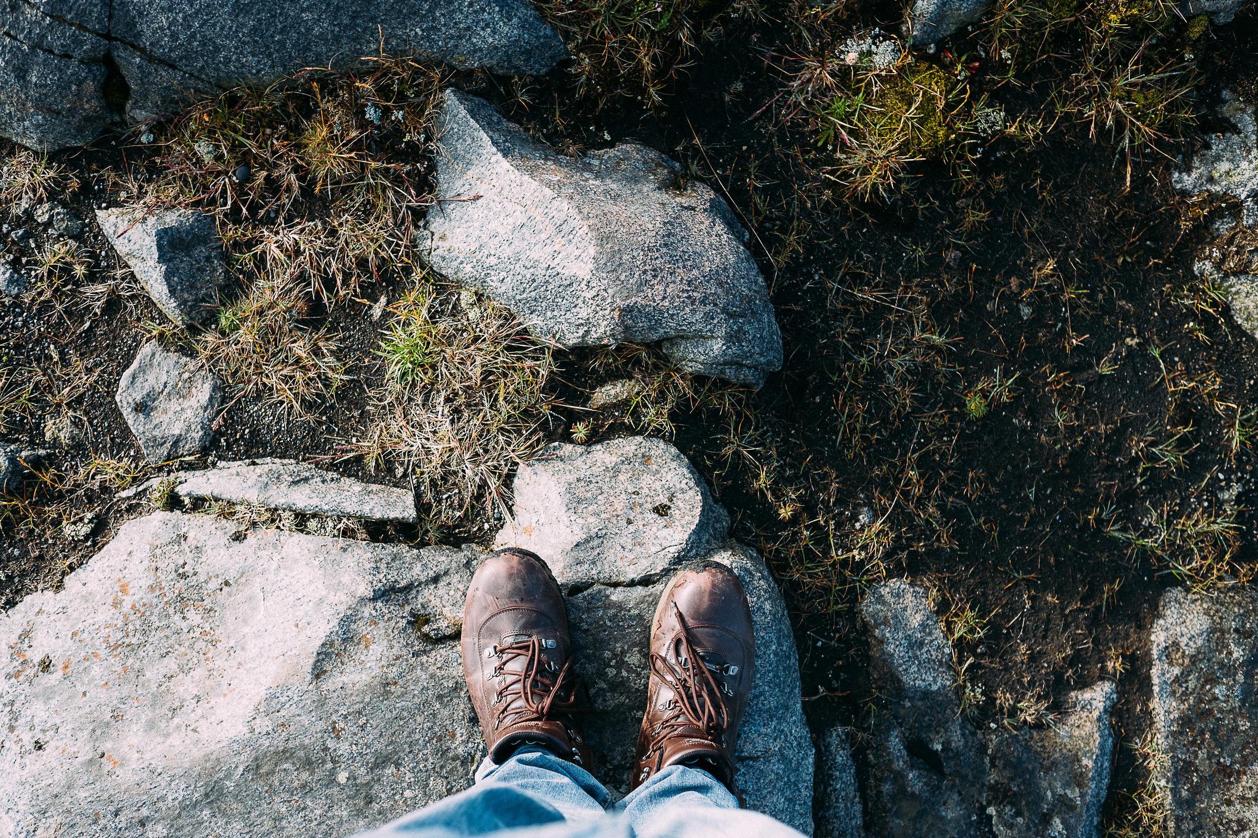 iceland feet-23.jpg