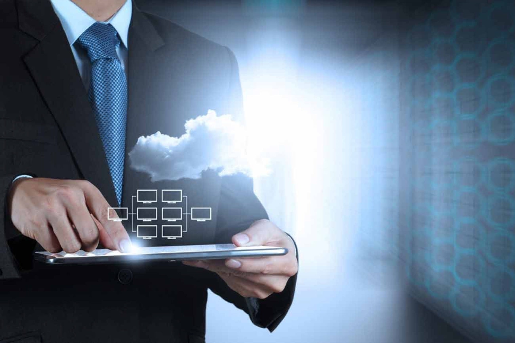 In a competitive business landscape with countless options for your customers, you can't afford to hold onto outdated practices. Check out this article to find out more reasons to choose the cloud. #WhyCloud  http://stuf.in/b186jv