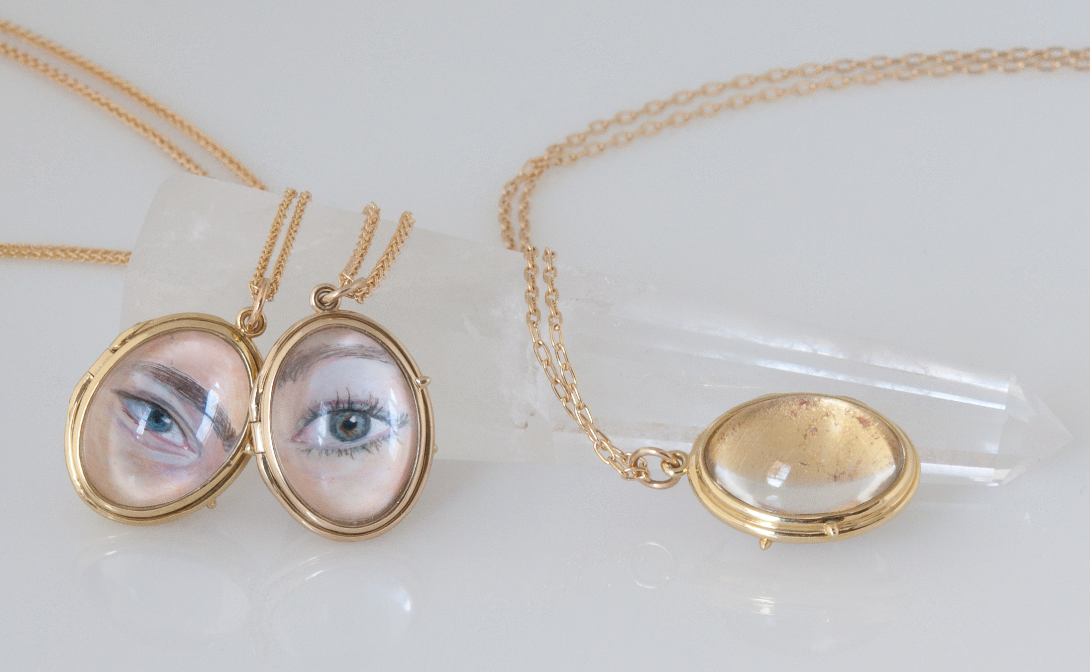 Lover's eye lockets