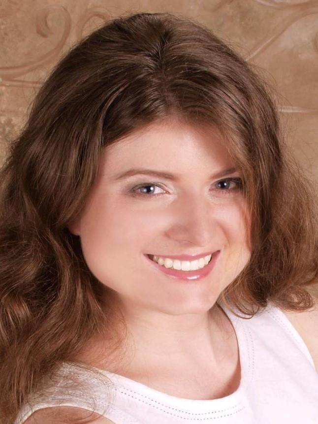 Adelle Housker headshot.jpg