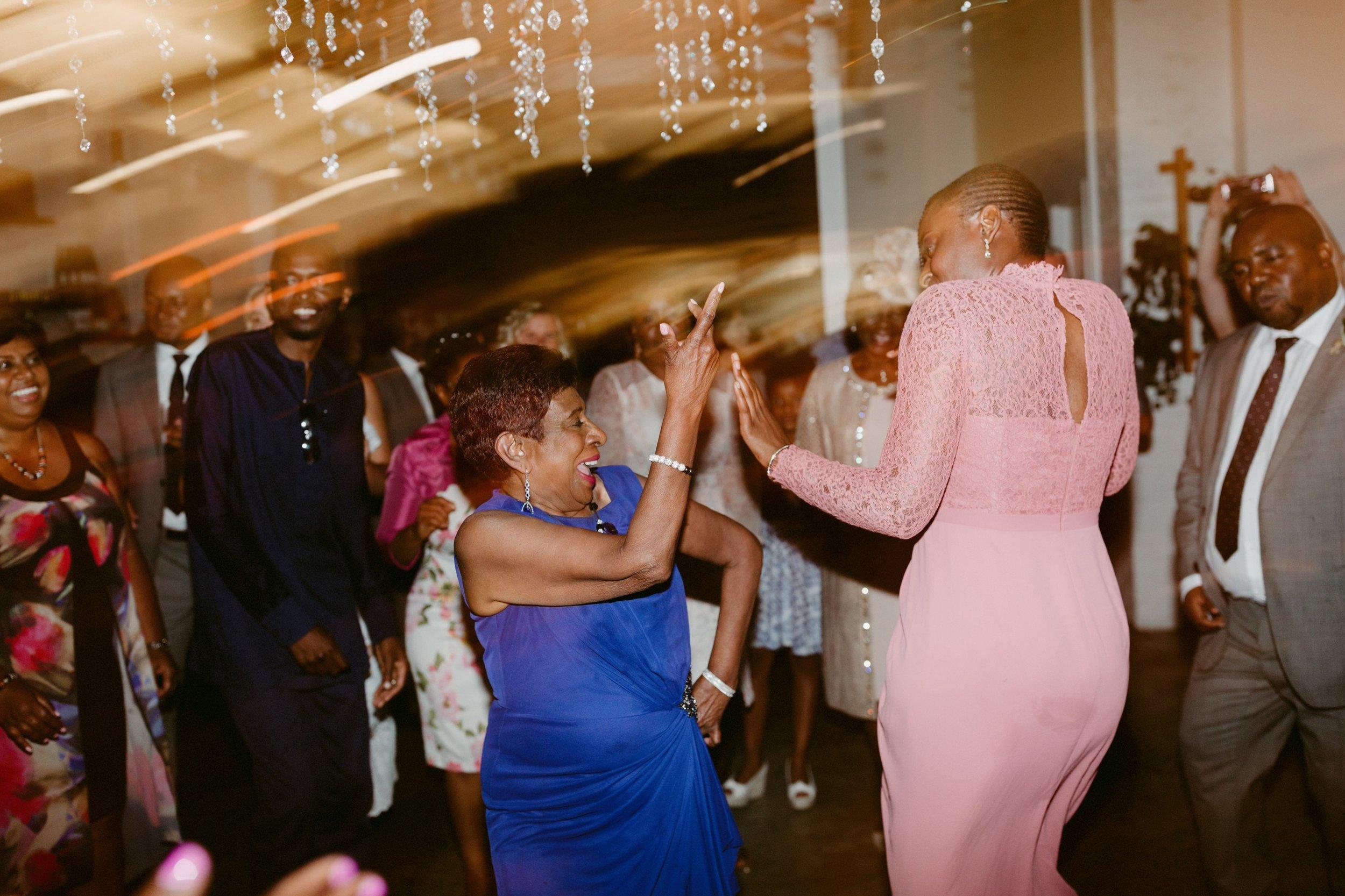 122_Spadina House Wedding (710 of 748)_intimate_Boehmer_Restaurant_Toronto_Wedding.jpg