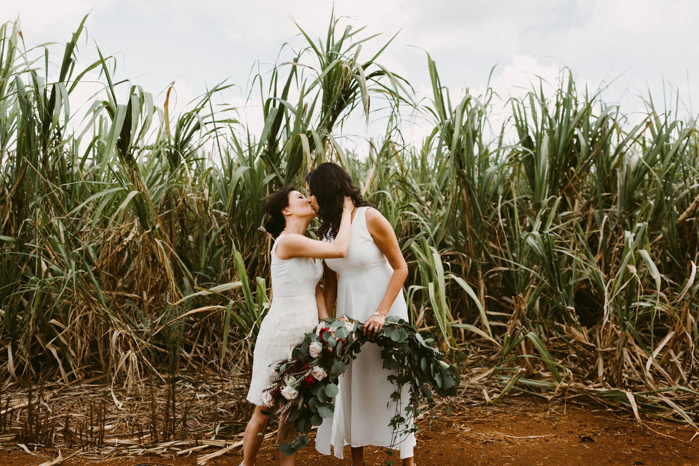 33_Oahu Hawaii Wedding  (113 of 294)_Oahu_sex_Hawaii_same_wedding_elopement_photographer.jpg