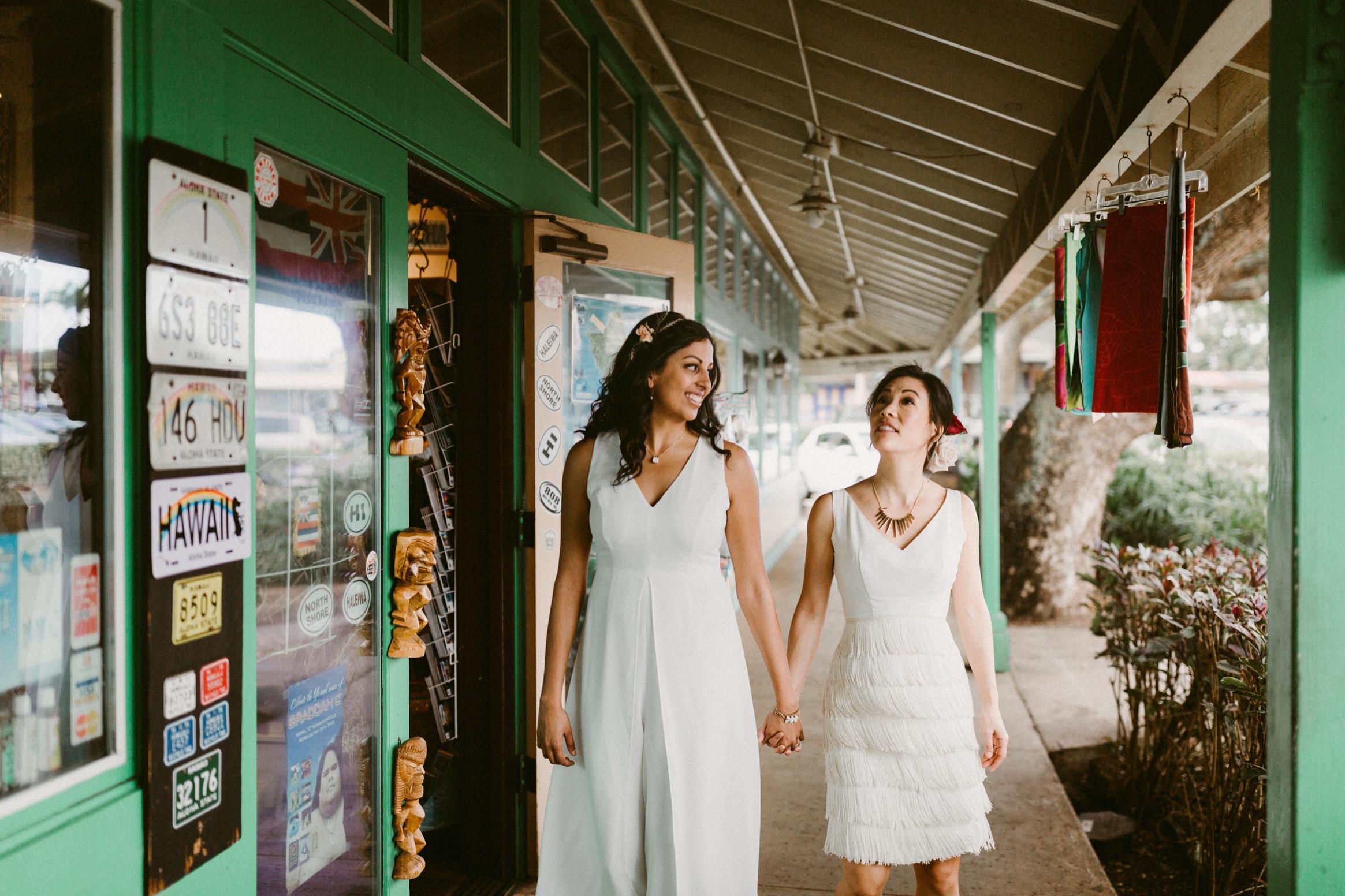 46_Oahu Hawaii Wedding  (191 of 294)_Oahu_sex_Hawaii_same_wedding_elopement_photographer.jpg