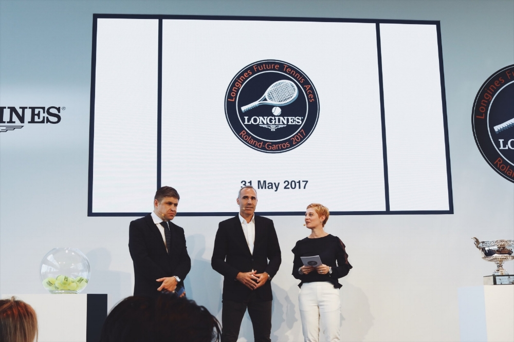Juan-Carlos Capelli, Vice President of Longines and Head of International Marketing and Alex Corretja, patron of this year's tournament assisted in the Lucky Draw.