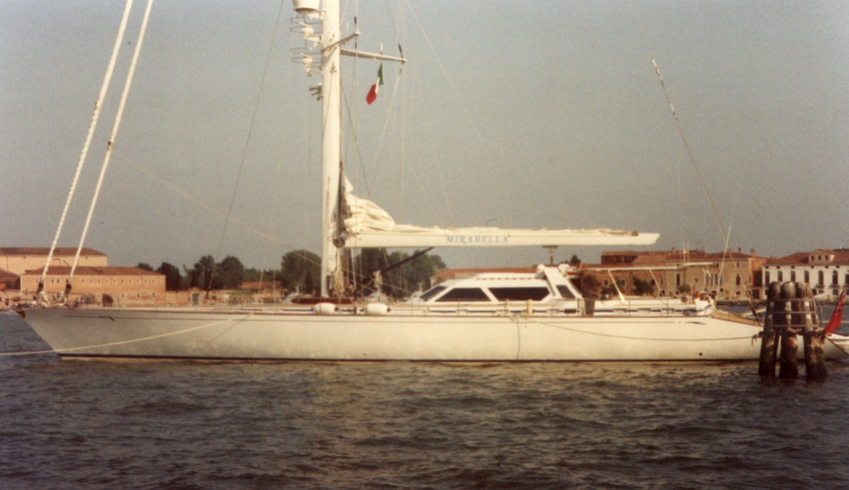 MIRABELLA in Venice: 40-Meter sailing Yacht. Built Concorde Yachts - Thailand 1992