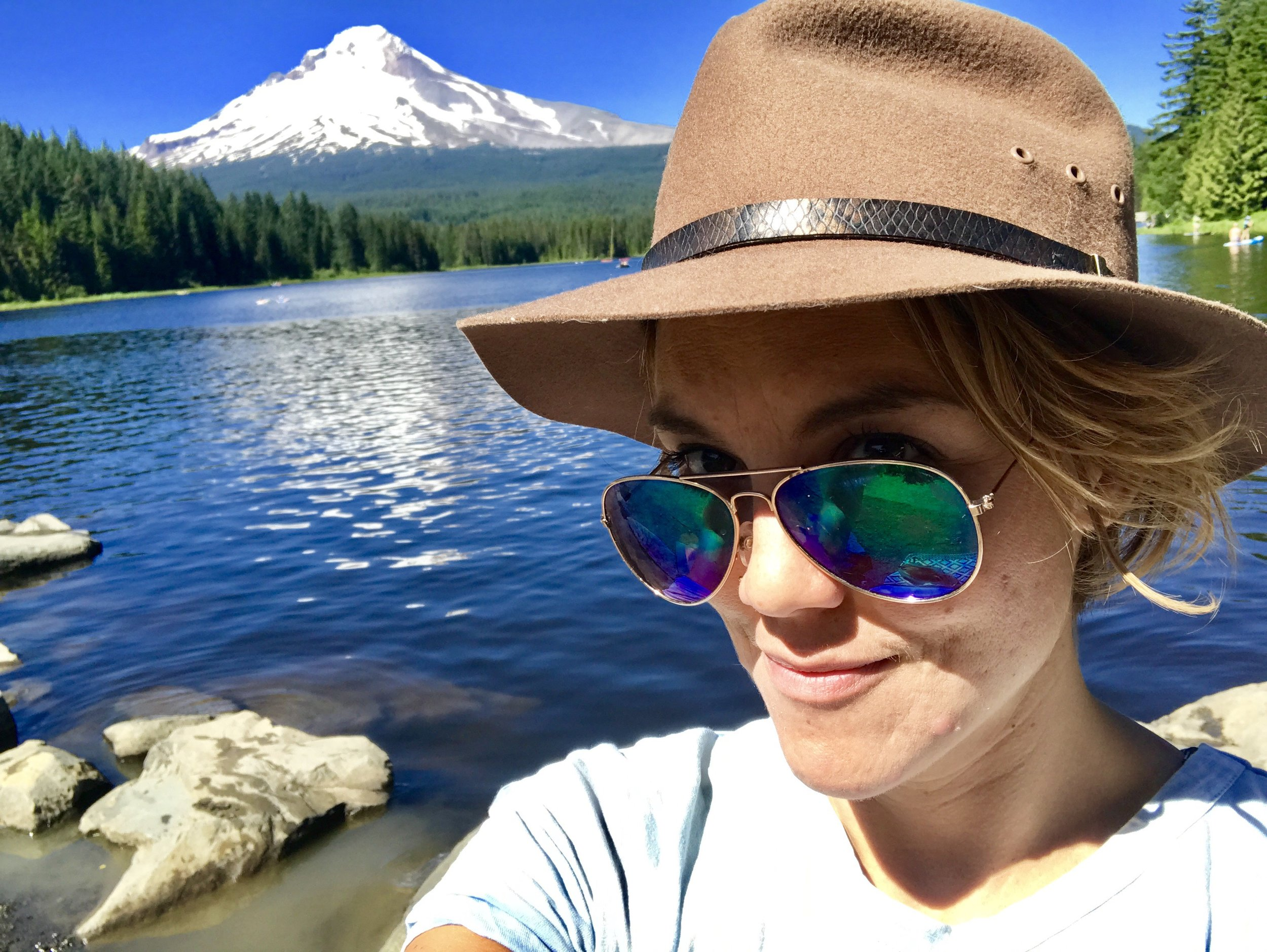 Little chance to explore Oregon, in between study sessions! Here I am at Trillium Lake, with a stunning view of Mt. Hood.