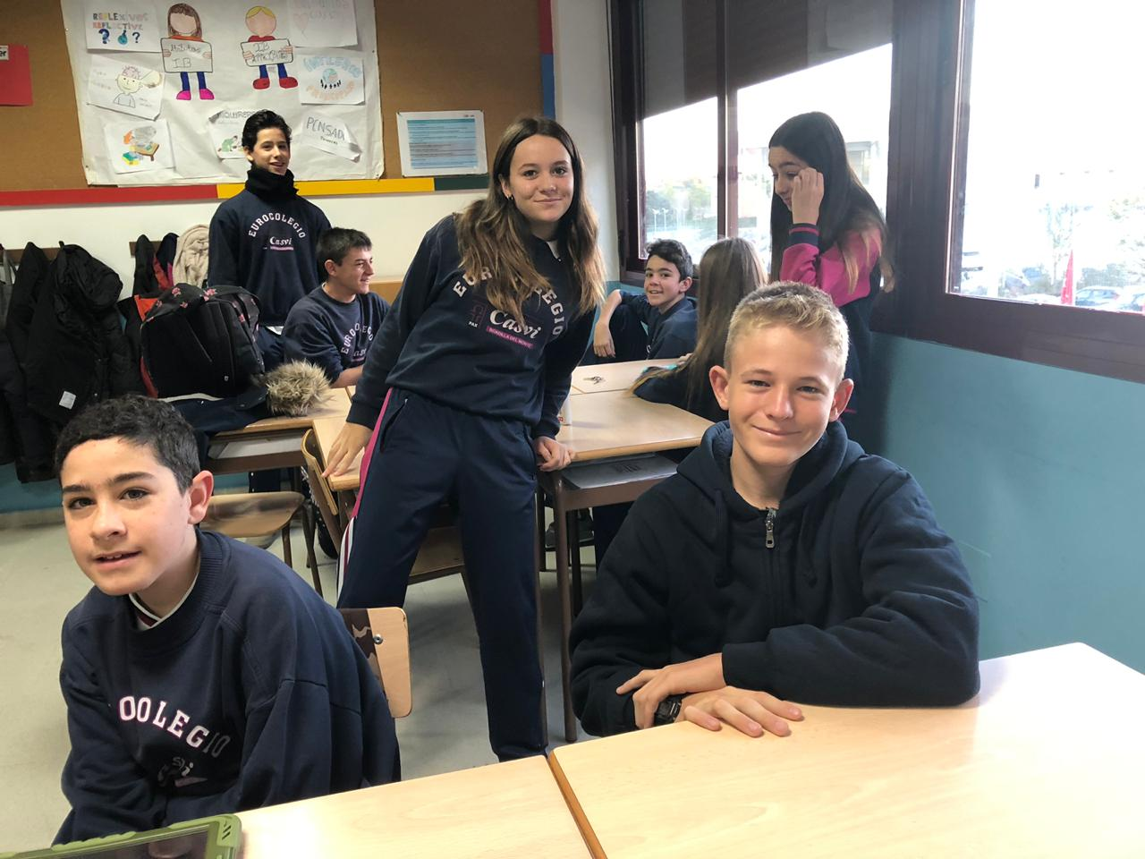 Zack with the Spanish students at the Boadilla School.
