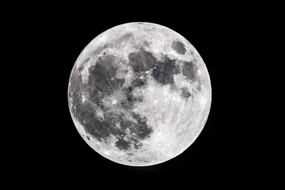 the-moon32423a.jpg