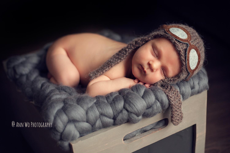 baby-photographer-ann-wo-london-aviator-hat