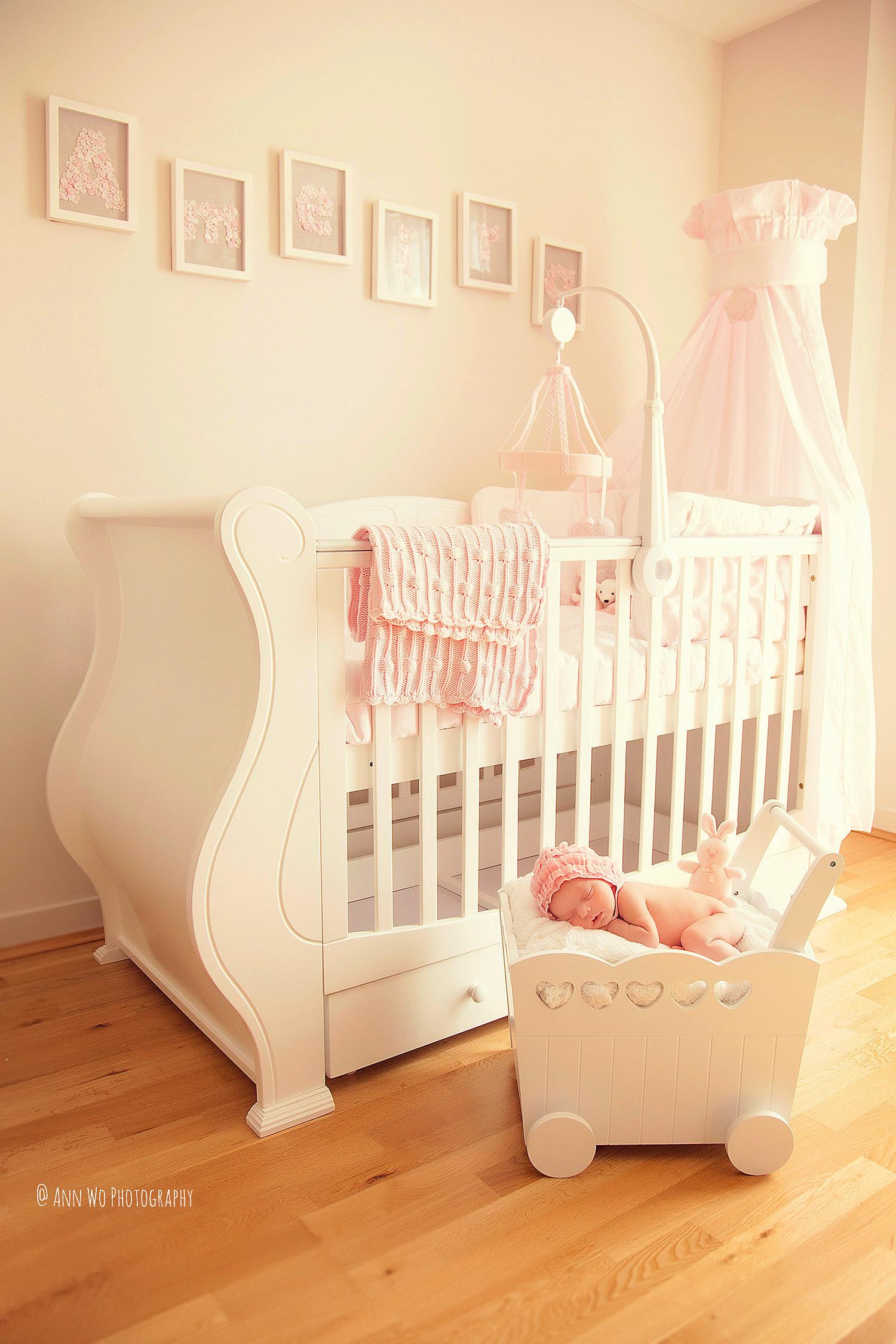 newborn-photographer-west-london-home-session-ann-wo13.jpg