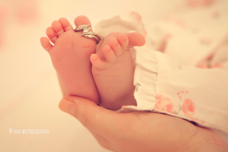 newborn-photographer-west-london-home-session-ann-wo25.jpg