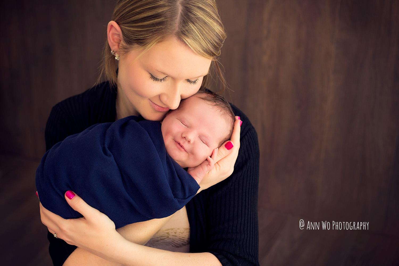 mum and newborn baby boy london photographer ann wo