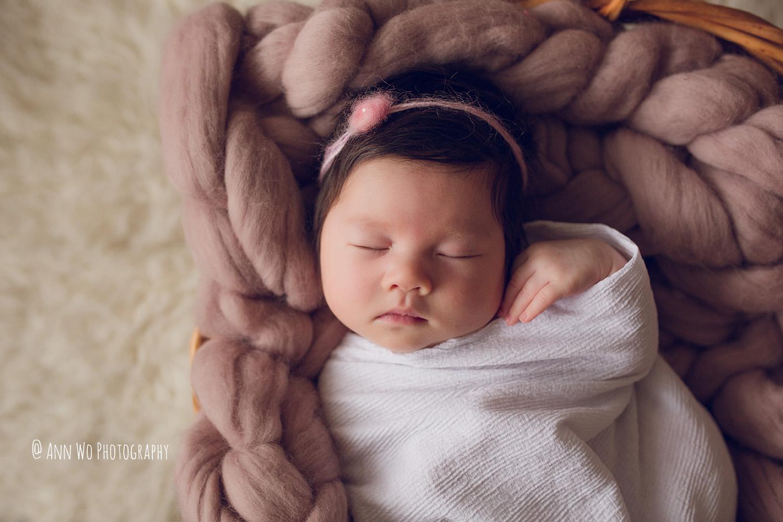 ann-wo-baby-photography-london-home-session-newborn-girl-cute-29.JPG