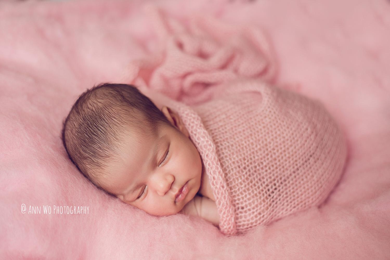 newborn photography london ann wo pink fluff knitted wrap