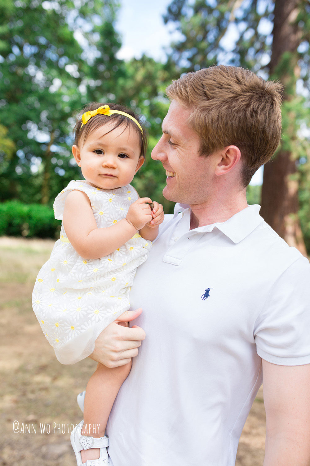 Lifestyle-Family-Photo-Session-First-Year-Outdoor-Cake-Smash-Baby-Girl-London-42.JPG