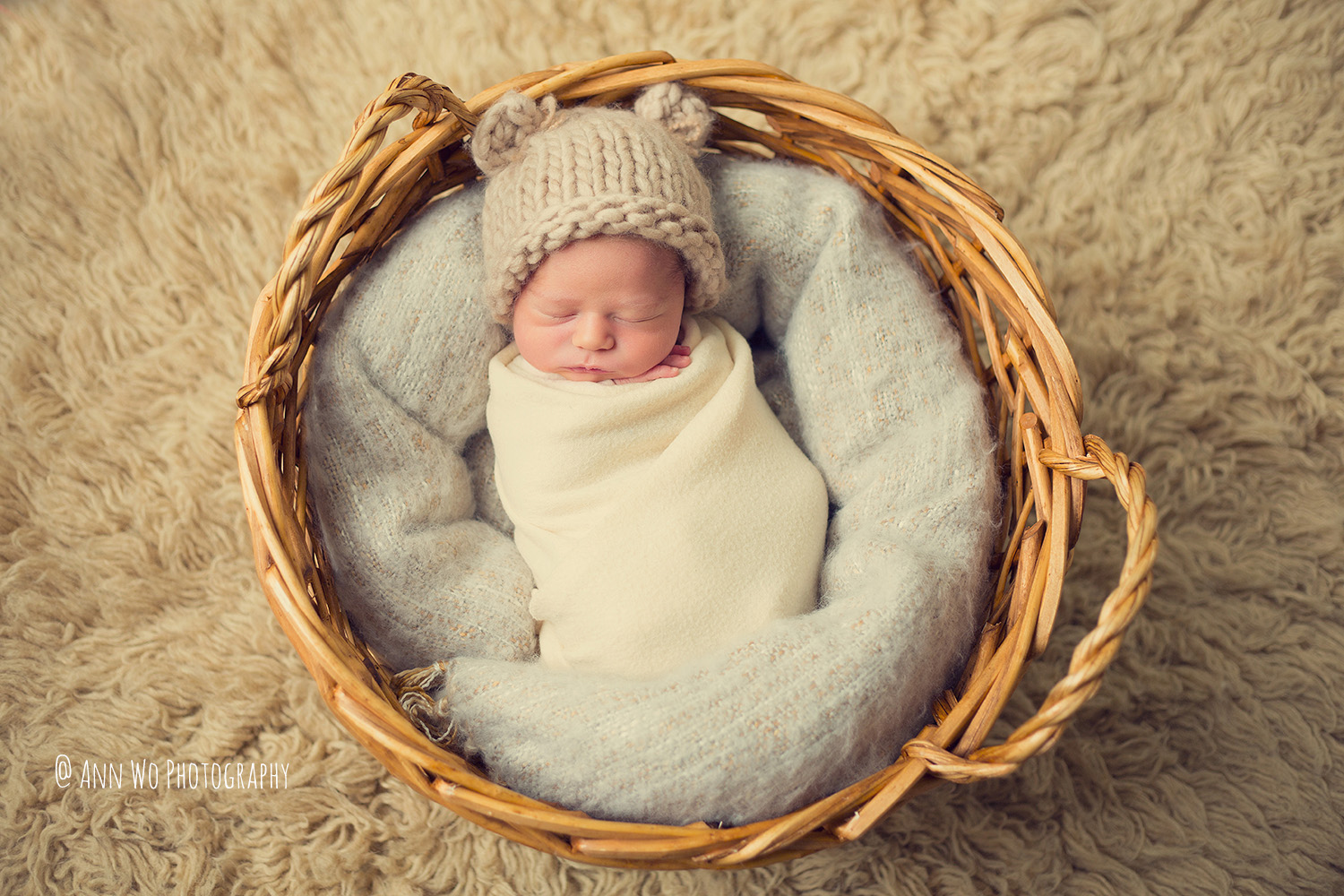 baby-photographer-london-ann-wo-basket-flokati-bear-hat.jpg