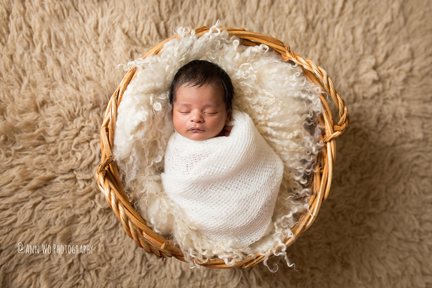 019-newborn-photography-session-at-home-ann-wo-london-19.JPG