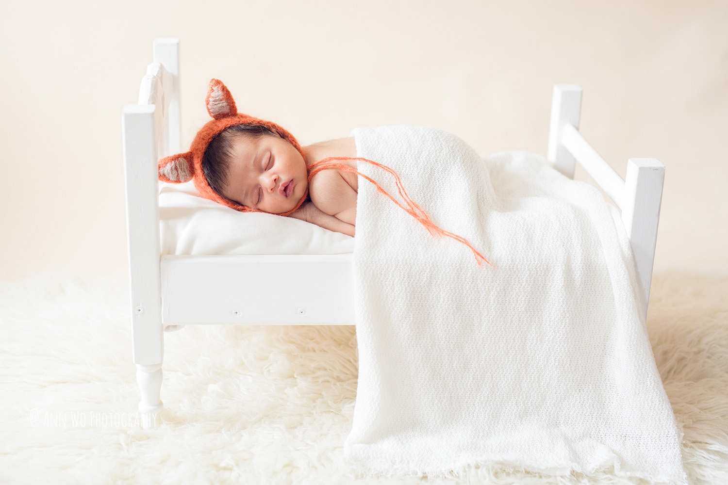 058-newborn-photography-at-home-ann-wo-london-24.JPG