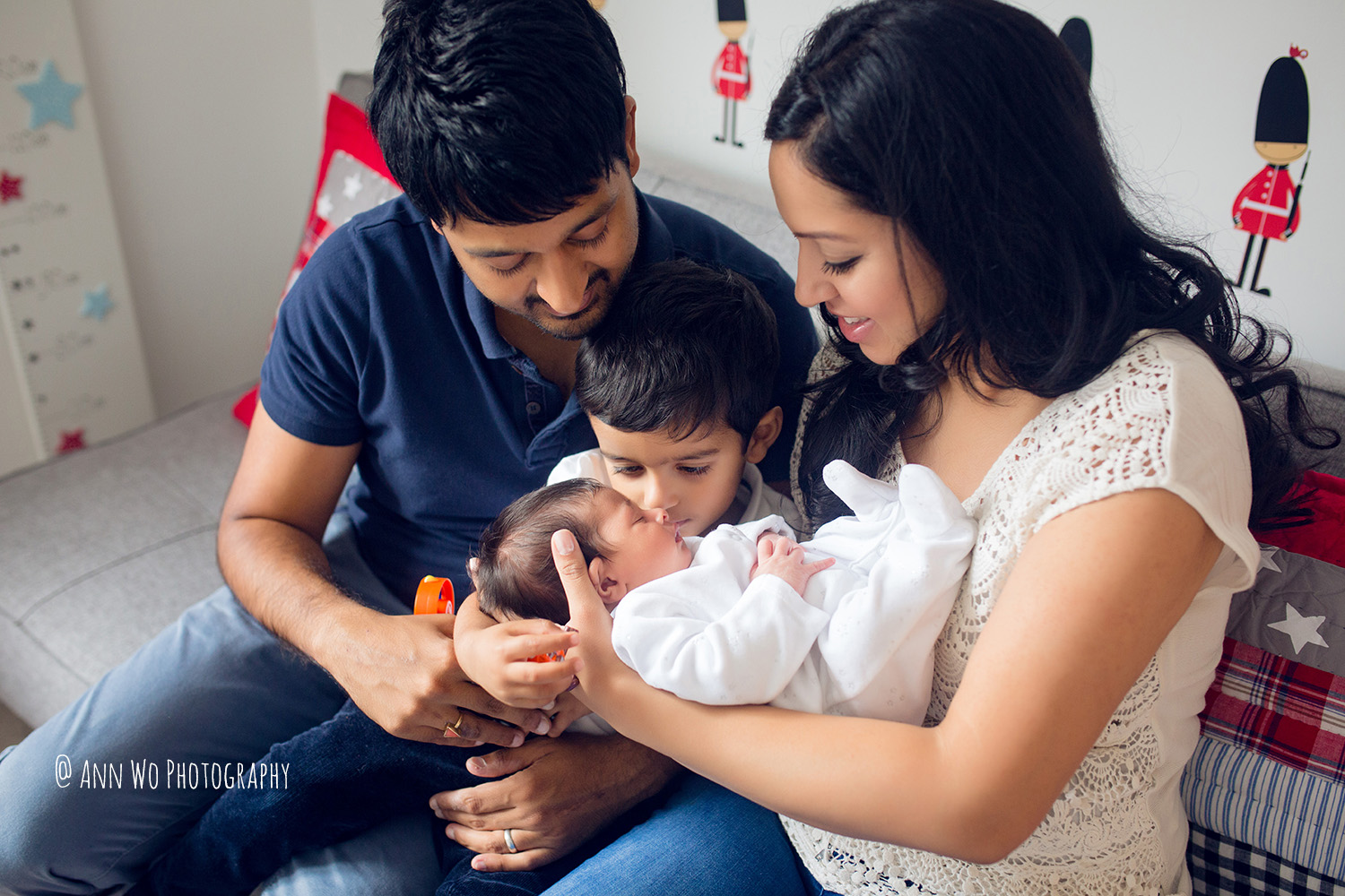 078-newborn-photography-at-home-ann-wo-london-44.JPG