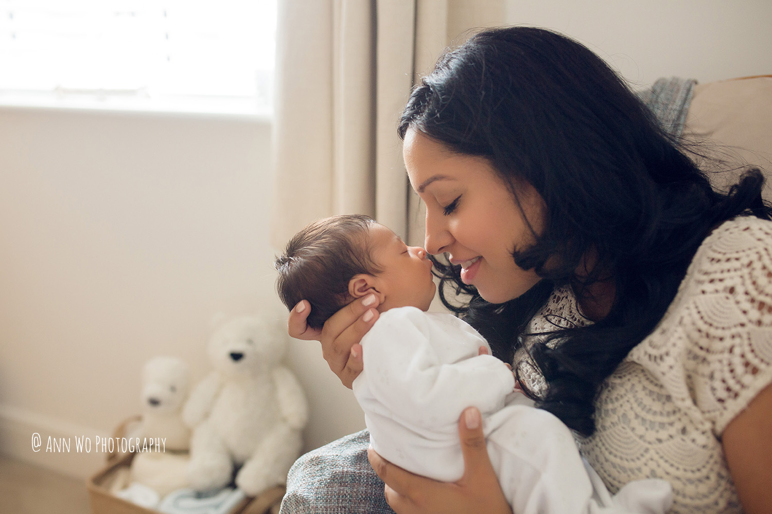 087-newborn-photography-at-home-ann-wo-london-53.JPG
