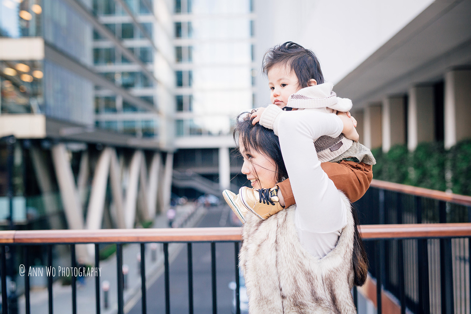 Lifestyle family photography in London - Ann Wo