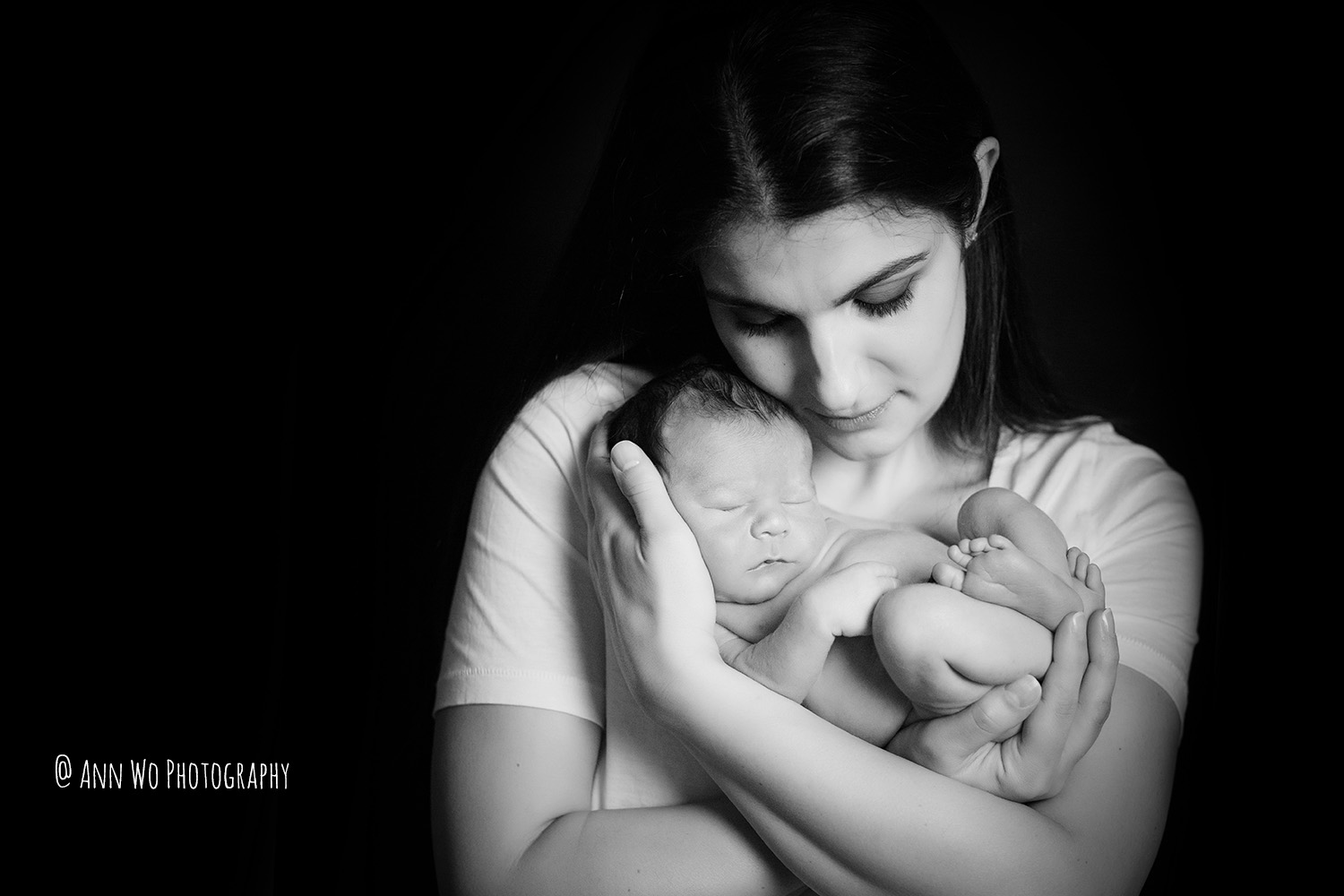 newborn-baby-photography-at-home-studio-set-up-Ann-Wo-London-bulldog-16.jpg