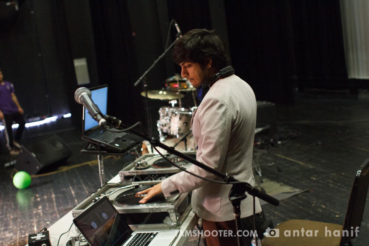 """DJ Man-O-Wax at """"REACHing Beyond"""", Washington DC, 2012"""