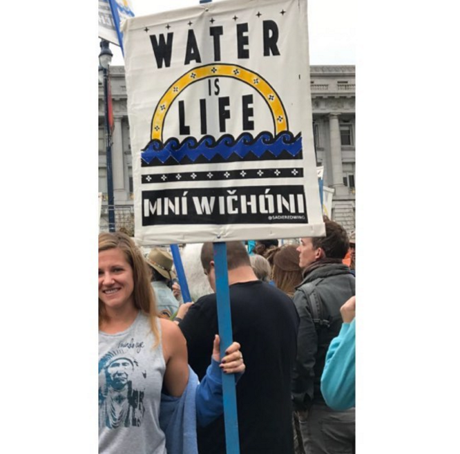 #WATERISLIFE #NODAPL   @megfuss marching with standing rock